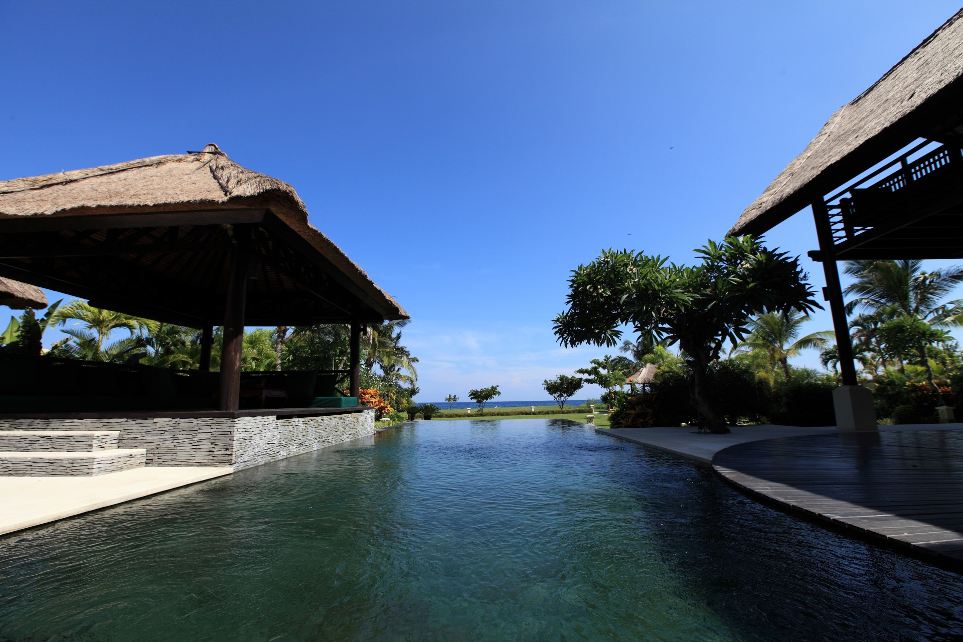 zwembad uitzicht